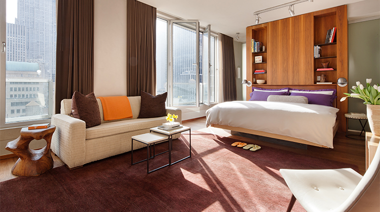 PropertyImage ChambersHotel 2 Hotel GuestroomSuite DeluxeSuite Bedroom CreditChambersHotel