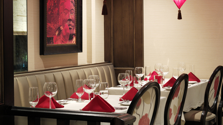PropertyImage ChazonthePlaza KansasCity Restaurant Style Interior 4 CreditTheRaphaelHotel