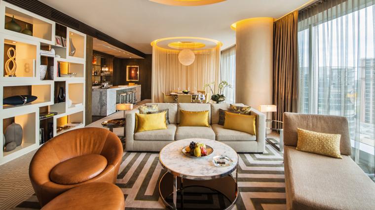 PropertyImage CrownTowers Hotel GuestroomSuire VillaLivingRoom 3 CreditCityOfDreams