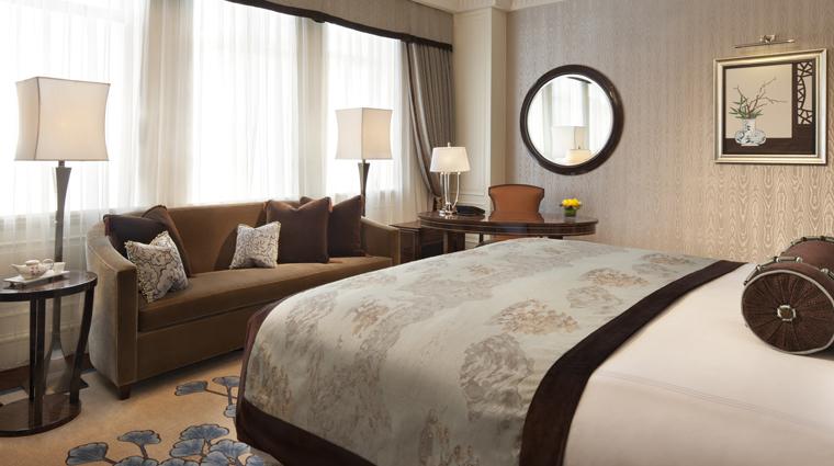 PropertyImage FairmontPeaceHotel Shanghai Hotel Guestrooms FairmontGoldGrandRoom CreditFairmontPeaceHotelVFMLeonardoInc