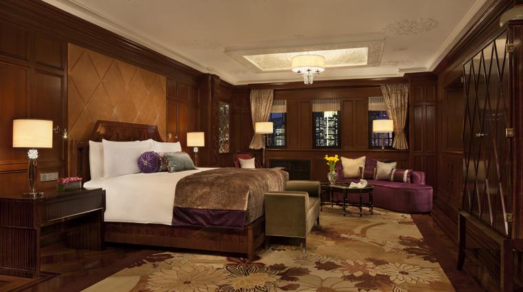 PropertyImage FairmontPeaceHotel Shanghai Hotel Guestrooms SassoonPresidentialSuite Bedroom CreditFairmontPeaceHotelVFMLeonardoInc