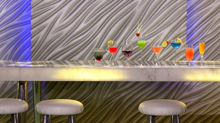 PropertyImage Felix Restaurant Interior Bar Cocktails CreditThePeninsulaHongKong VFMLeonardoInc