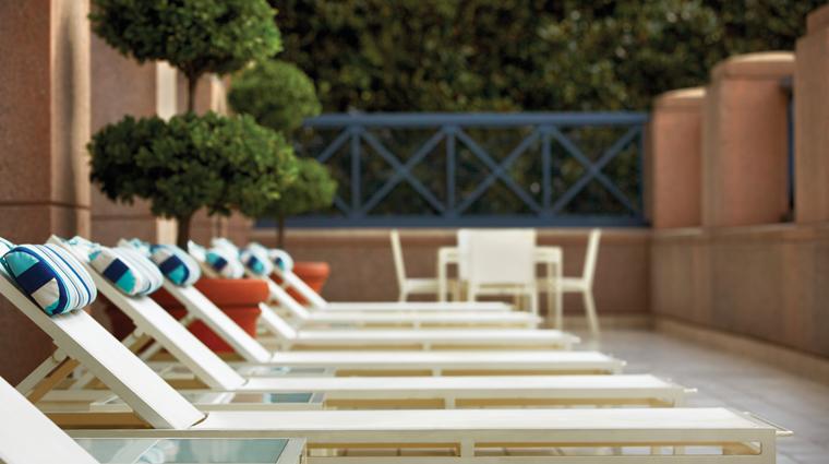 PropertyImage FourSeasonsHotelAtlanta Hotel Pool SunTerrace CreditFourSeasonsAtlanta