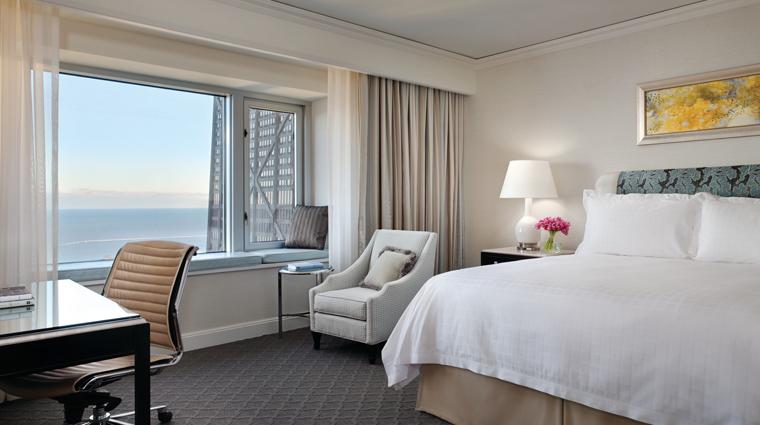 PropertyImage FourSeasonsHotelChicago Chicago Hotel GuestroomSuite PremierRoom CreditFourSeasons