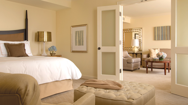PropertyImage FourSeasonsHotelHouston Houston Hotel GuestroomSuite ExecutiveSuite CreditFourSeasons