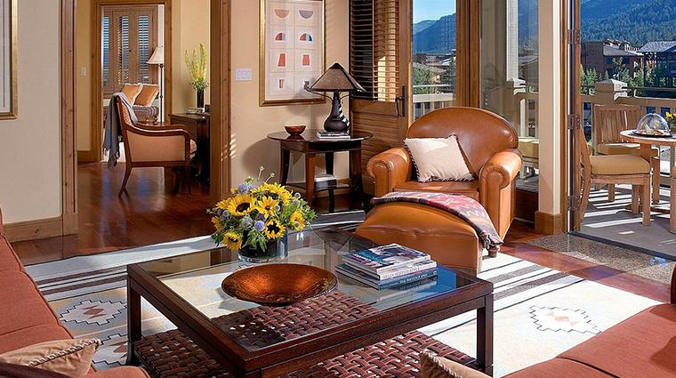 PropertyImage FourSeasonsResortJacksonHole Hotel GuestroomsandSuites SpecialtySuite CreditFourSeasons