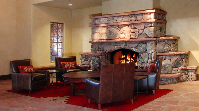 PropertyImage GatewayCanyonsResort Restaurant ParadoxGrill Fireplace 2 CreditNobleHouseHotelsandResorts