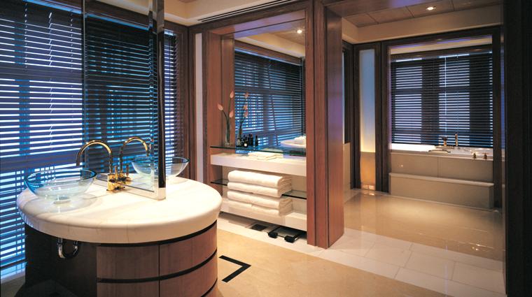 PropertyImage GrandHyattShanghai Shanghai Hotel GuestroomSuite PresidentialSuite Bathroom CreditHyattCorporation