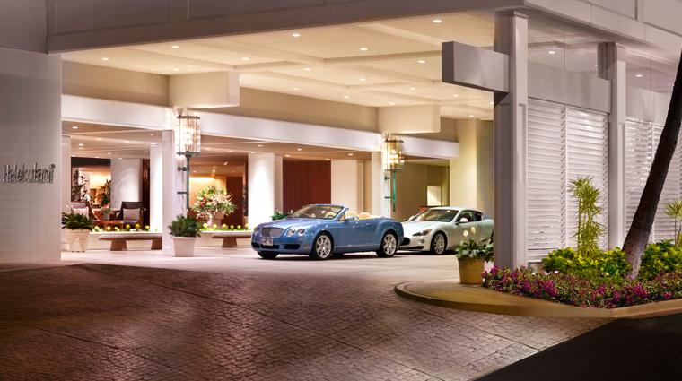 PropertyImage Halekulani Hotel Exterior CreditHalekulaniHotel