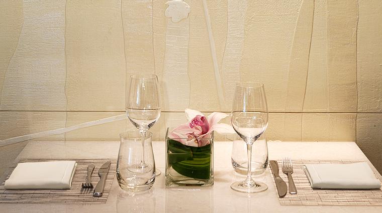 PropertyImage Hawksworth Restaurant RosewoodHotelGeorgia Style DiningDetail CreditRosewoodHotels
