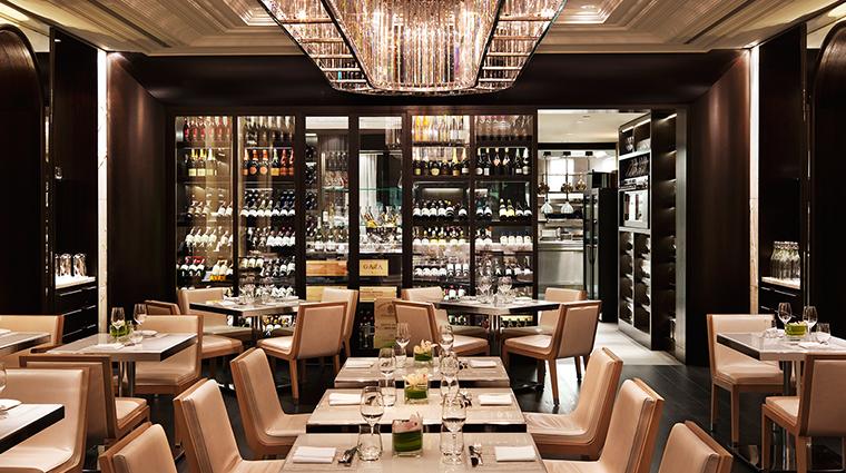 PropertyImage Hawksworth Restaurant RosewoodHotelGeorgia Style Dining 5 CreditRosewoodHotels