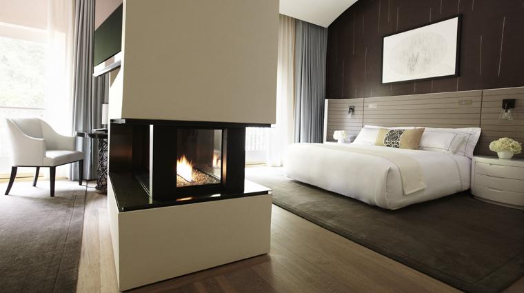 PropertyImage HotelBelAir LosAngeles Hotel GuestRoomSuites LoftGuestRoom CreditDorchesterCollection