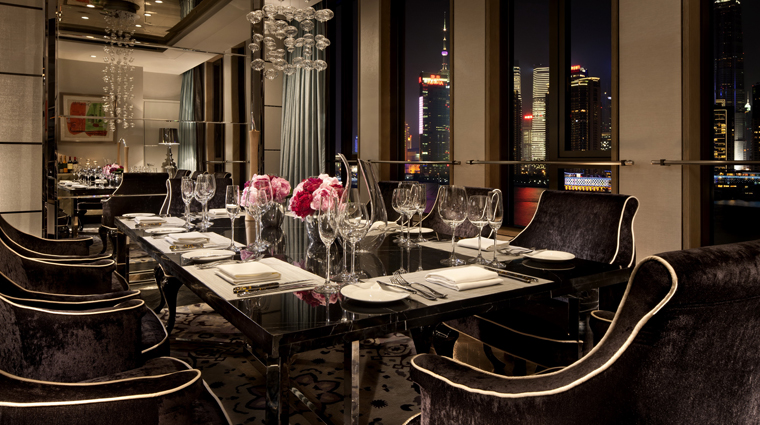 PropertyImage HotelIndigoShanghaiontheBund Shanghai Hotel Guestroom ShanghaiGlamourSuite DiningRoom CreditHotelIndigoShanghaiontheBund
