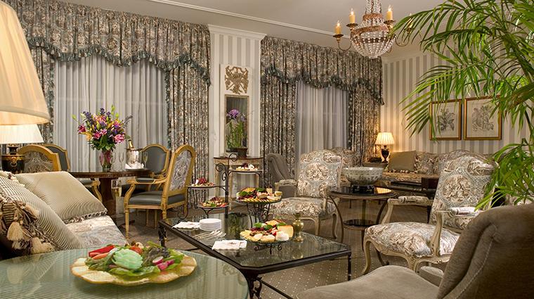 PropertyImage HotelMonteleone Hotel GuestroomSuite FJMonteleoneSuite LivingRoom CreditHotelMonteleone
