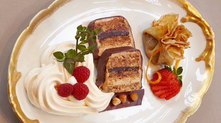 PropertyImage HotelStGermainRestaurant Restaurant Food 1 CreditHotelStGermain