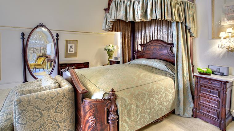 PropertyImage HotelStGermain Hotel GuestroomsandSuites SuiteSix Bedroom CreditHotelStGermain