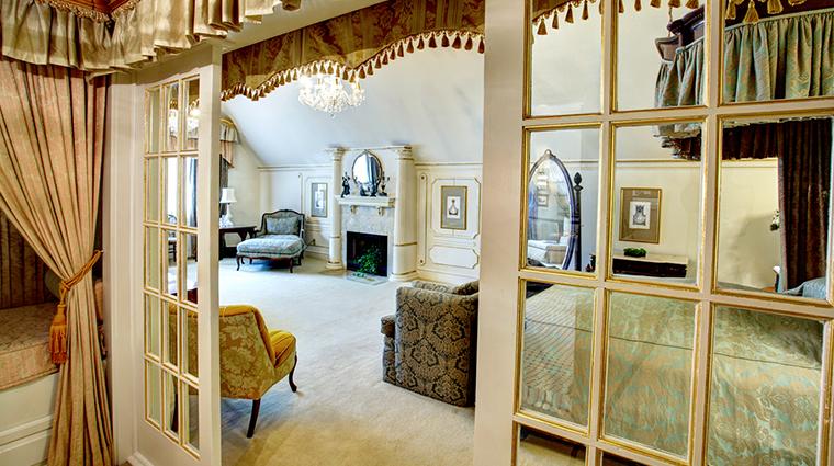 PropertyImage HotelStGermain Hotel GuestroomsandSuites SuiteSix CreditHotelStGermain