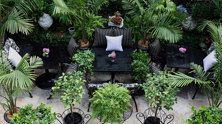 PropertyImage HotelStGermain Hotel PublicSpaces Courtyard 2 CreditHotelStGermain