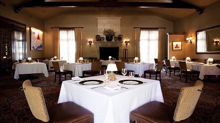 PropertyImage InnAtDosBrisas Hotel Dining DiningRoom3 CreditKatiePark