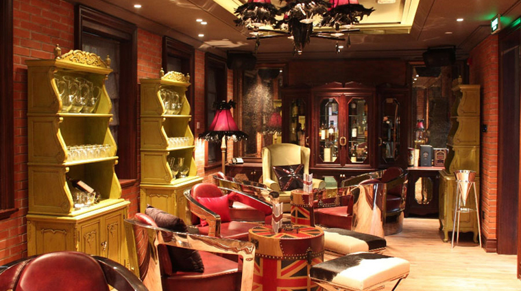 PropertyImage InterContinentalShanghaiExpo Shanghai Hotel BarLounge TheLiquorFactory 2 CreditInterContinentalHotelsGroup