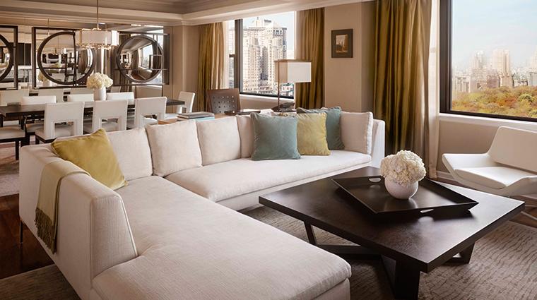 PropertyImage JWMarriottEssexHouseNewYork Hotel GuestroomsandSuite PresidentialSuite LivingRoom CreditMarriottInternationalInc