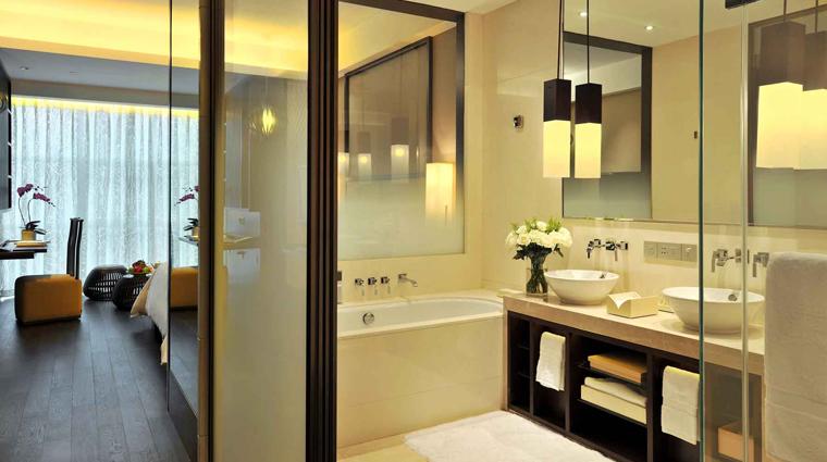 PropertyImage JumeirahHimalayasHotel Shanghai Hotel GuestroomSuite DeluxeRoom Bathroom CreditJumeirahInternationalLLC