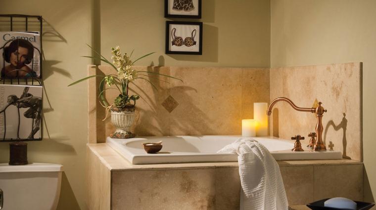 PropertyImage LAubergeCarmel Hotel GuestroomsandSuites Bathroom CreditLAubergeCarmel