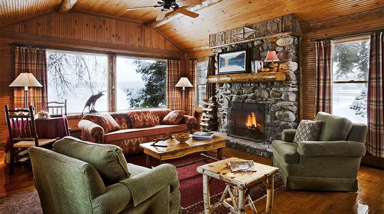 PropertyImage LakePlacidLodge Hotel GuestroomSuite LookoutCabin LivingRoom CreditLakePlacidLodge