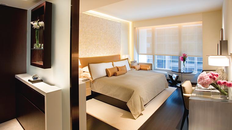 PropertyImage LandmarkMandarinOrientalHongKong Hotel GuestroomsandSuites DeluxeRoom CreditMandarinOrientalHotelGroup
