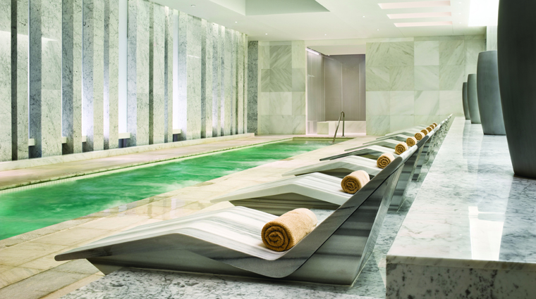 PropertyImage LapisTheSpaAtFontainebleau Spa Basics EssenceMineralCoEdPool 2 Credit FontainebleauMiamiBeach