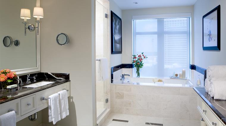 PropertyImage MandarinOrientalAtlanta Hotel GuestroomSuite PremierKingRoom Bathroom CreditMandarinOrientalHotelGroup