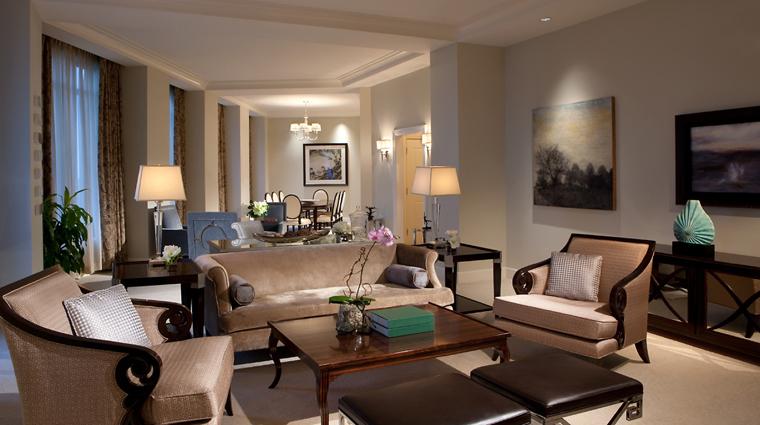 PropertyImage MandarinOrientalAtlanta Hotel GuestroomSuite PresidentialSuite LivingRoom CreditMandarinOrientalHotelGroup