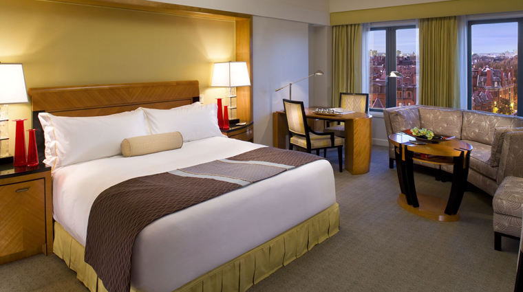 PropertyImage MandarinOrientalBoston Hotel GuestroomSuite BackBayRoom CreditMandarinOrientalHotelGroup