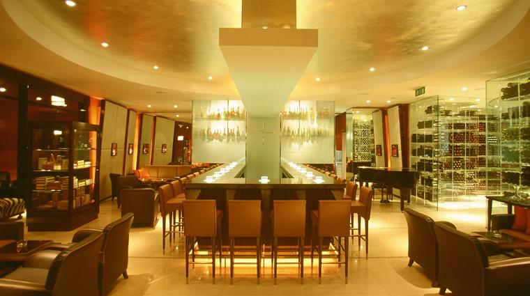 PropertyImage MandarinOrientalHydePark Hotel Restaurant MandarinBar CreditMandarinOrientalHotelGroup
