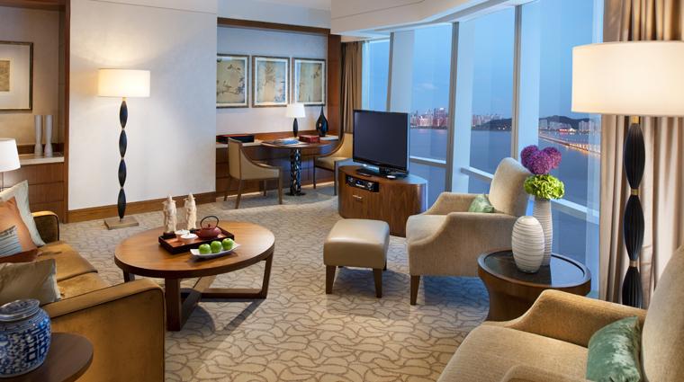 PropertyImage MandarinOrientalMacau Hotel GuestroomSuite PanoramaSuite CreditMandarinOrientalHotelGroup