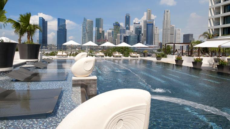 PropertyImage MandarinOrientalSingapore Hotel Pool Daytime CreditMandarinOrientalHotelGroup