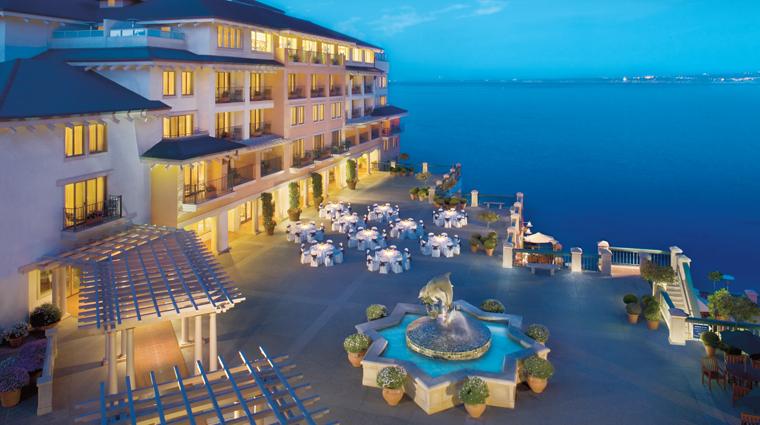 PropertyImage MontereyPlazaHotelandSpa Hotel Exterior PlazaView CreditWoodsideHotels