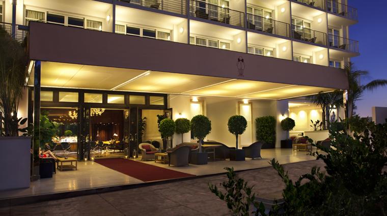 PropertyImage MrCBeverlyHills Hotel ExteriorAtNight CreditMrCBeverlyHills