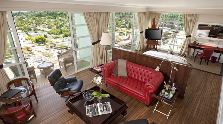 PropertyImage MrCBeverlyHills Hotel GuestRoomSuite SignatureSuite SittingArea CreditMrCBeverlyHills