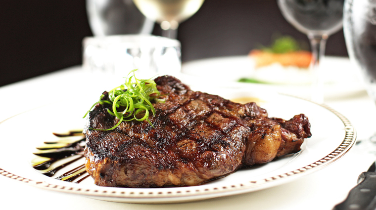 PropertyImage PalmCourtGrill Restaurant Food 2 CreditDavenportHotelCollection