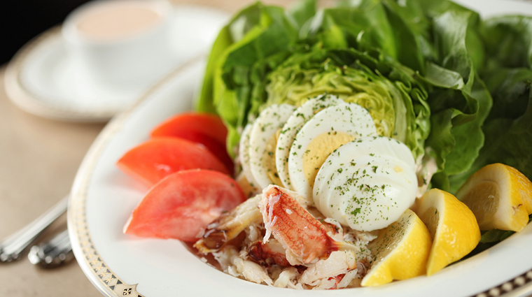 PropertyImage PalmCourtGrill Restaurant Food 4 CreditDavenportHotelCollection