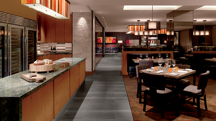PropertyImage Parallel37 Restaurant Style Dining 2 CreditTheRitz CarltonHotelCompanyLLC