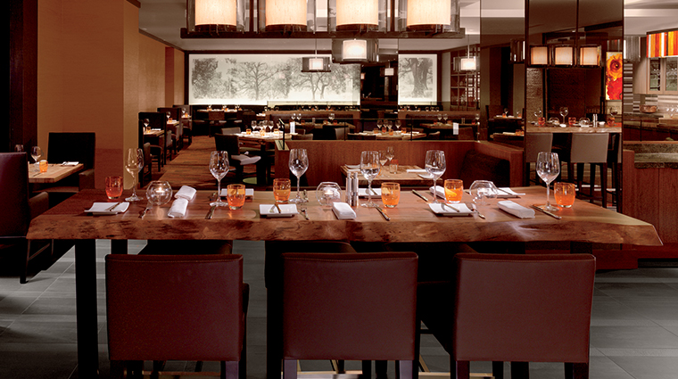 PropertyImage Parallel37 Restaurant Style Dining 4 CreditTheRitz CarltonHotelCompanyLLC