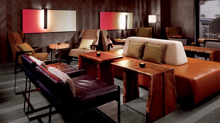 PropertyImage Parallel37 Restaurant Style WaitingArea CreditTheRitz CarltonHotelCompanyLLC