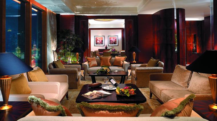 PropertyImage PudongShangriLaShanghai Shanghai Hotel GuestroomSuites GrandTowerShanghaiSuite LivingRoom CreditShangriLaInternationalHotelManagementLtd