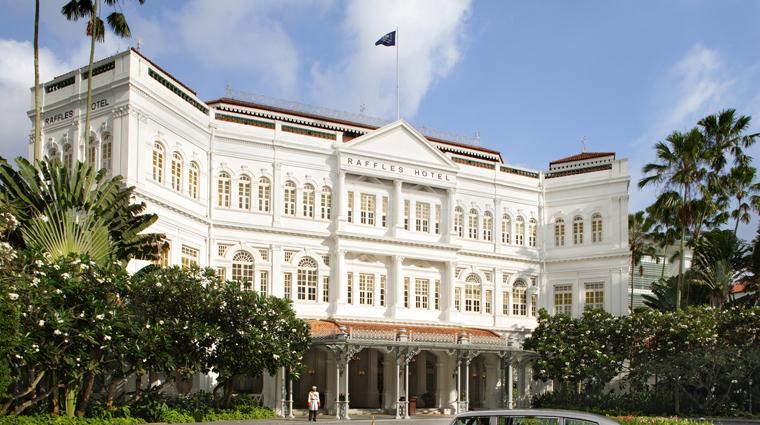PropertyImage RafflesSingapore Hotel Exterior CreditRafflesHotelsandResorts