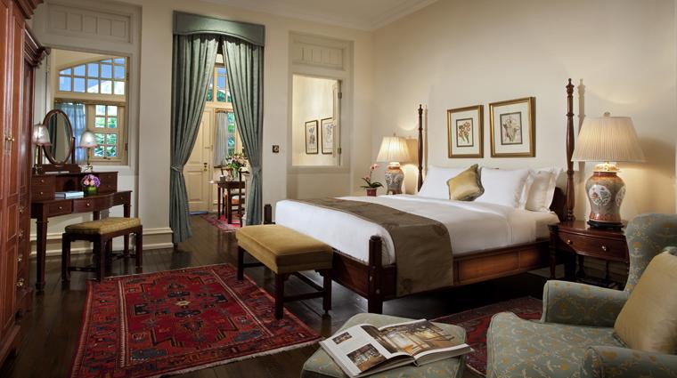 PropertyImage RafflesSingapore Hotel GuestroomSuite CourtyardSuite CreditRafflesHotelsandResorts
