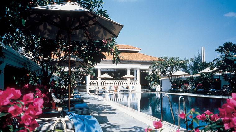 PropertyImage RafflesSingapore Hotel Pool CreditRafflesHotelsandResorts