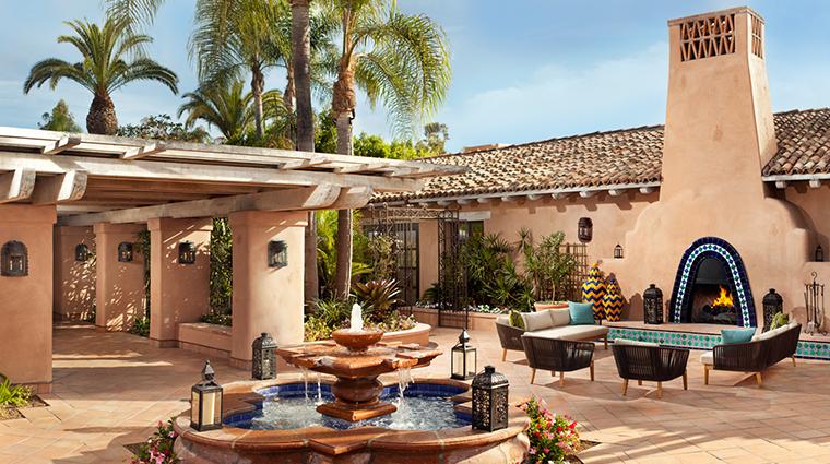 PropertyImage RanchoValencia Hotel PublicSpaces FountainCourtyard CreditRanchoValencia