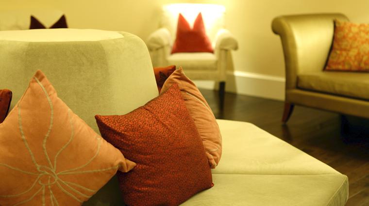 PropertyImage RemedeSpaAtlanta Atlanta Spa Basics WomensLounge 3 CreditTheFiveStarTravelCorporation
